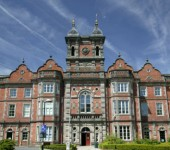 Thackray Medical Museum is housed in a grade II listed building - the former Leeds union Workhouse. If you are planning a day out in leeds the Museum makes a great, hands on and educational day our for kids.